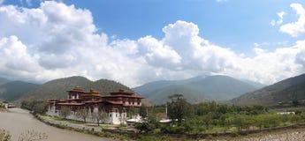 Panorama de Punakha Dzong foto de stock