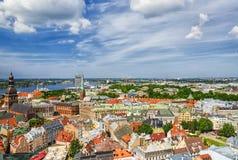 Panorama de Riga velho, Latvia foto de stock