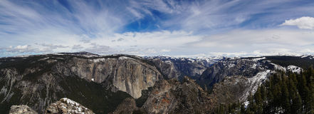 Panorama de RIM de vallée de Yosemite Photos stock