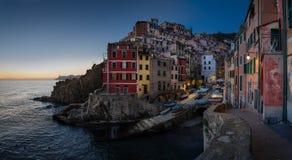 Panorama de Riomaggiore Photographie stock
