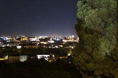Panorama de Roma na noite de Gianicolo Imagem de Stock