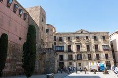 Panorama de Roman Gate et de nova antiques de Placa, Barri Gothic Quar Photo libre de droits