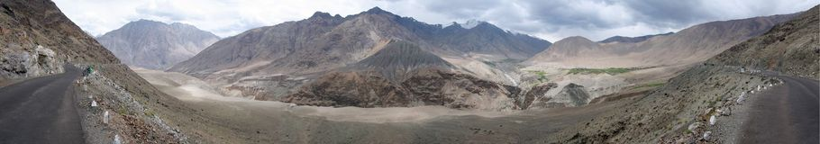 Panorama de route de désert Photo stock