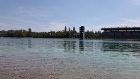 Panorama de ruderregatta de cours de régate Oberschleissheim et à Munich Cours de jeu olympique de 1972, Bavière, Allemagne du su banque de vidéos