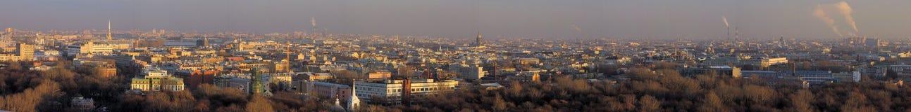 Panorama de rue - Pétersbourg photo stock