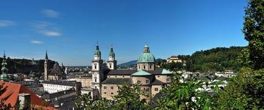 Panorama de Salzburg da parede da fortaleza fotos de stock