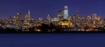 Panorama de San Francisco avec le palais des beaux-arts et du Salesforce T images libres de droits