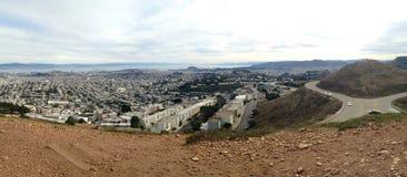Panorama de San Francisco dos picos gêmeos Fotografia de Stock Royalty Free
