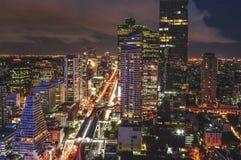 Panorama de Sathorn la nuit Image libre de droits
