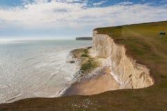 Panorama de sete penhascos das irmãs e do mar em Brigghton, Sussex Fotografia de Stock Royalty Free