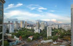Panorama de Singapura da janela do hotel fotos de stock royalty free
