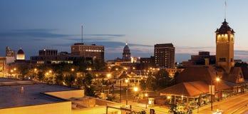 Panorama de Springfield con los edificios viejos y nuevos del capitolio del estado Fotos de archivo libres de regalías