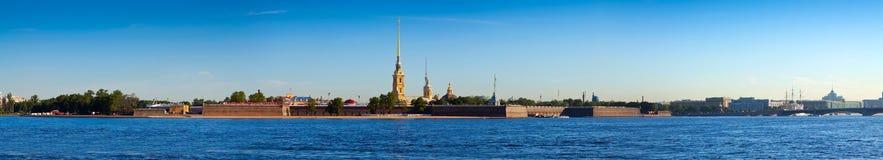 Panorama de St Petersburg Fortaleza de Peter e de Paul Fotos de Stock Royalty Free