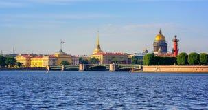 Panorama de St Petersburg, Rússia imagem de stock