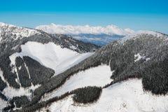 Panorama de Tatras alto, vista da montanha de Chopok, Jasna, baixo T fotografia de stock royalty free