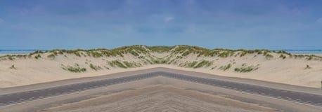 Panorama de uma grande duna de areia na Holanda imagens de stock