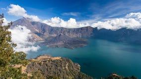 Panorama de un volcán activo Imagen de archivo