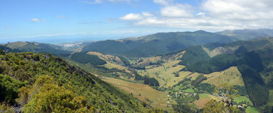 Panorama de vallée de Riwaka, baie Nouvelle-Zélande de Tasman Photo libre de droits