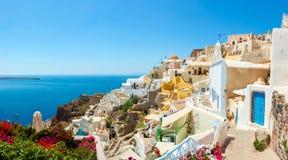Panorama de village d'Oia, île de Santorini images libres de droits