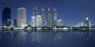 Panorama de ville de Bangkok la nuit
