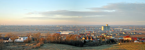 Panorama de ville de targoviste de la Roumanie Photographie stock