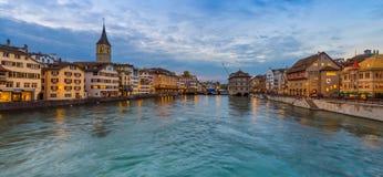 Panorama de ville Zurich de nuit Photos libres de droits