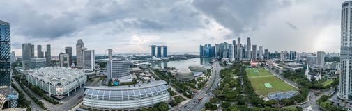 Panorama de vue aérienne de Singapour pendant le jour nuageux Image libre de droits