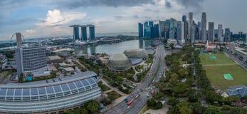 Panorama de vue aérienne de Singapour pendant le jour nuageux Photo libre de droits