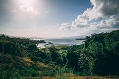 Panorama de vue de lac en Costa Rica photos stock
