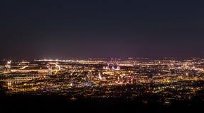 Panorama de Wiena por noche Imagen de archivo libre de regalías