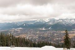 Panorama de Zakopane en las montañas de Tatra Foto de archivo