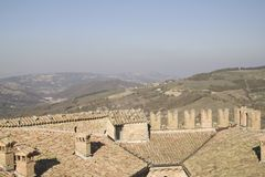 Panorama de Zavattarello Pavie Italie photographie stock libre de droits