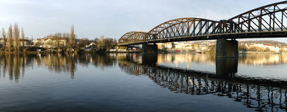 Panorama dei ponti sulla Moldava Fotografia Stock