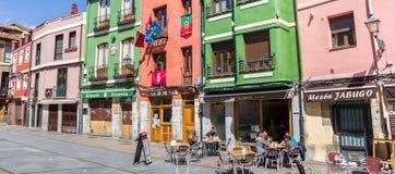 Panorama dei pub variopinti a Leon immagini stock libere da diritti