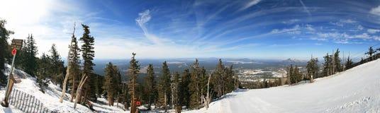 Panorama del área del esquí Fotos de archivo