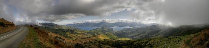 Panorama del akaroa en Nueva Zelandia Fotografía de archivo