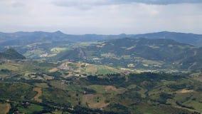 Panorama del Apennines italiano e delle valli di Emilia Roma Immagini Stock