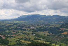 Panorama del Apennines italiano e delle valli di Emilia Roma Fotografie Stock