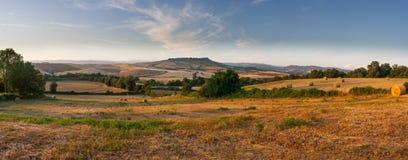 Panorama del campo del maremma toscano cerca del saturnia Imágenes de archivo libres de regalías