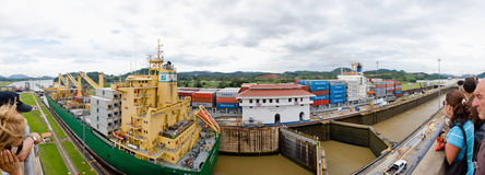 Panorama del Canal de Panamá Foto de archivo libre de regalías