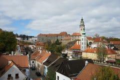 Panorama del castello di Cesky Krumlov fotografie stock libere da diritti