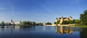 Panorama del castello di Schwerin Fotografia Stock Libera da Diritti