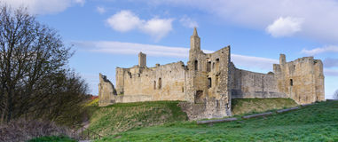 Panorama del castello di Warkworth immagine stock