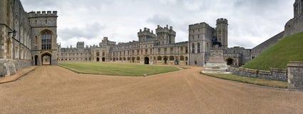 Panorama del cortile, castello di Windsor (Regno Unito) Fotografie Stock Libere da Diritti