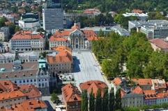 Panorama del cuadrado de Kongresni Trg de Ljubljana Imagen de archivo