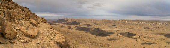 Panorama del deserto in cratere di Israel Ramon Fotografie Stock