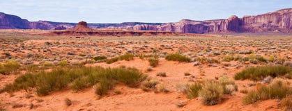 Panorama del desierto del valle del monumento Foto de archivo libre de regalías