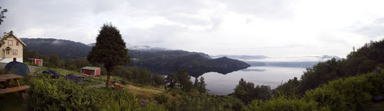 Panorama del fiordo. Foto de archivo libre de regalías