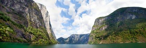Panorama del fiordo della Norvegia Fotografia Stock