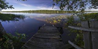 Panorama del fiume nelle portate più basse Fotografia Stock